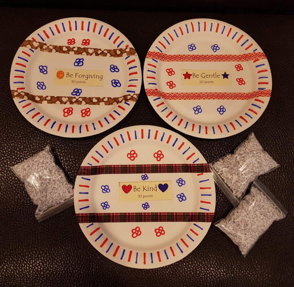Paper plate target game