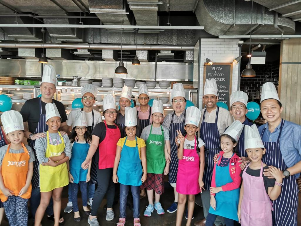 DFL@SMPS dads and their daughters at the pizza making workshop